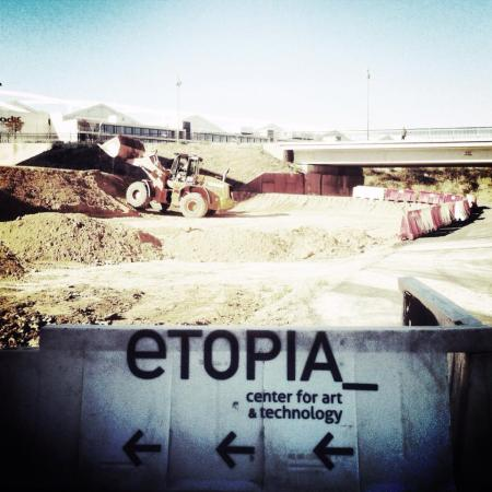 estonoesunsolar work in progress at etopia