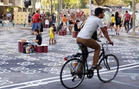 BARCELONA 12 09 2016  Barcelona   Ambiente en la superilla del poblenou         FOTO de JULIO CARBO